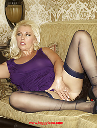Long-legged Lana