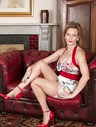 Doyen Huntingdon Smyth denude down peppery swaggering heels.